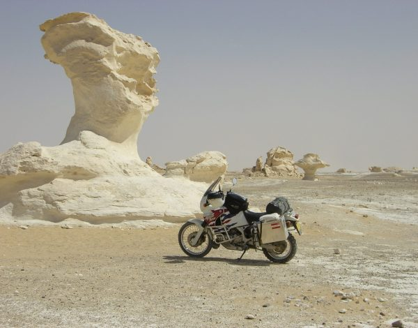 NR 01  _  Kairo und die Buerokratie, weisse Wüste, Assuan